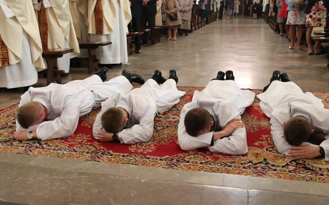 Święcenia diakonatu